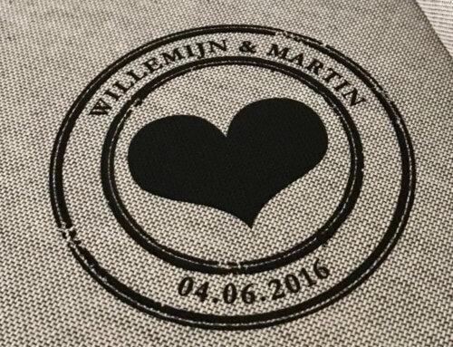 NIEUW: eigen logo op jouw linnen album met UV-print of lasergravering.